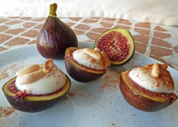 Mascarpone-filled Figs or Apricots With Amaretto. Photo by awalde