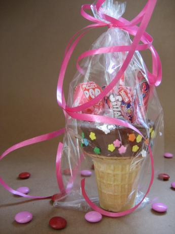 Ice Cream Cones Party Favors. Photo by Southern Polar Bear