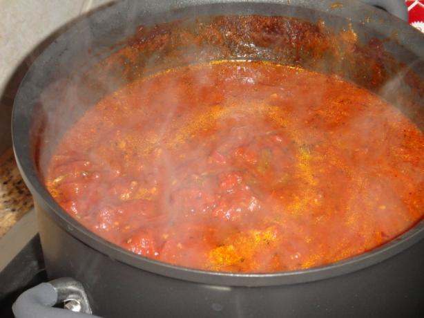 Crabzilla's Spicy Chunky Garlicky Spaghetti Sauce. Photo by CARML mama
