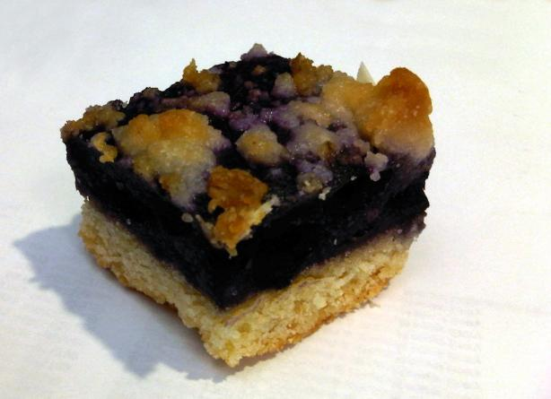 Blueberry Breakfast Bars. Photo by buttercreambarbie