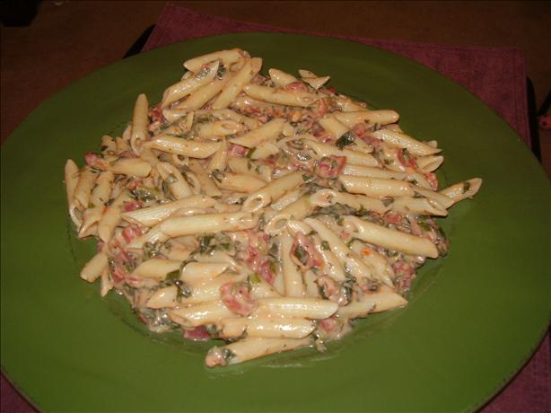EASY! Penne with chicken, spinach and tomato Alfredo (soooo good!). Photo by Camel_Cracker