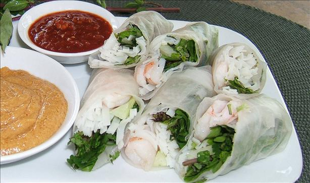 Shrimp Summer Rolls With Peanut Dipping Sauce. Photo by Kathy228