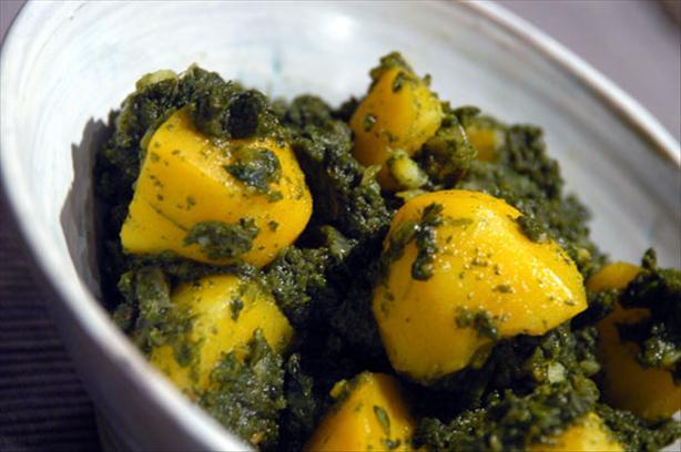 Aloo Palak Indian Potatoes & Spinach)