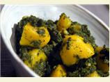 Aloo Palak (Indian Potatoes & Spinach)
