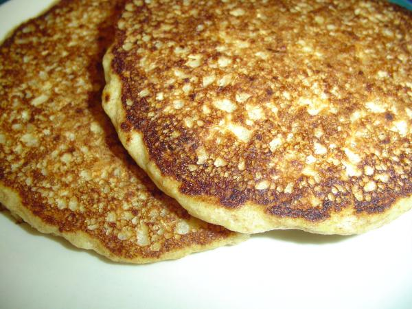 South Beach Diet Oatmeal Pancakes. Photo by jVo