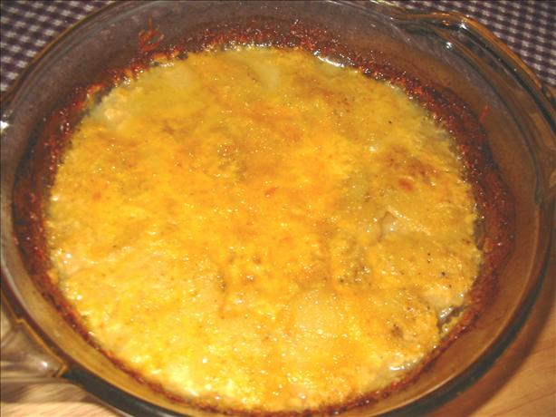 Cheesy Potatoes Au Gratin. Photo by vadapao