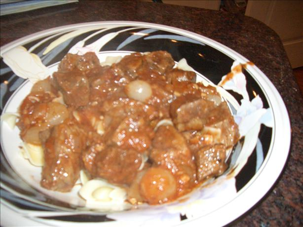 Crock Pot Beef Stifado. Photo by chia