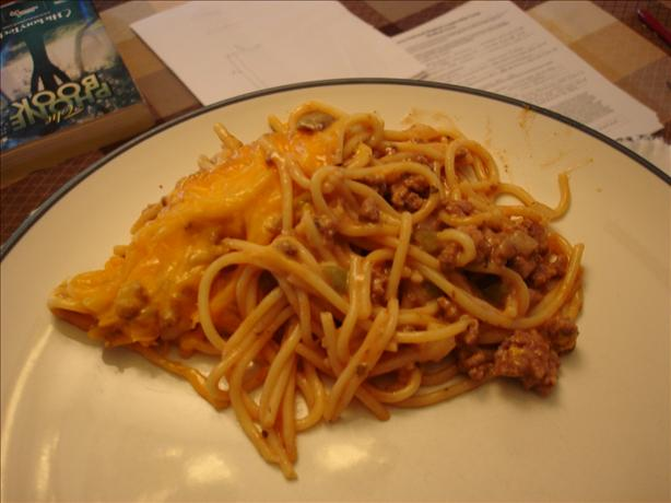 Quick and Easy Thrown Together Baked Spaghetti Casserole. Photo by Bec