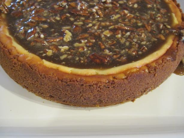 Cheesecake With Praline Sauce. Photo by jvens