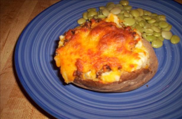 Cheeseburger Baked Potatoes. Photo by Chef shapeweaver ©