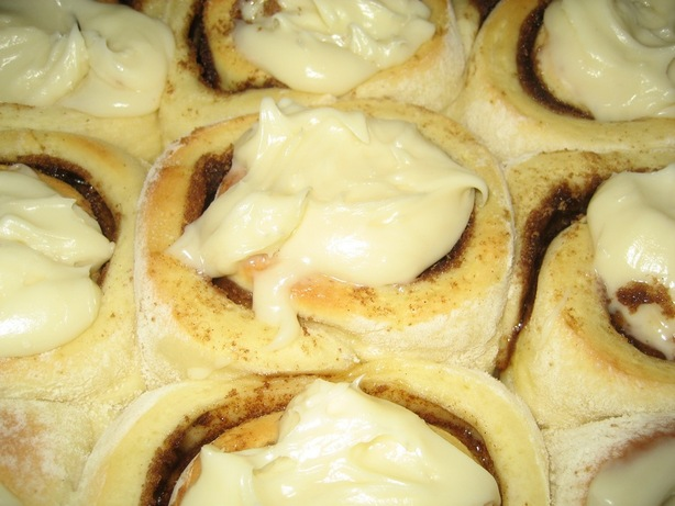 Cinnamon Rolls (Cinnabon Copycat). Photo by Halcyon Eve