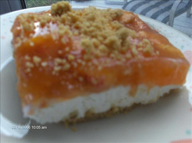 No Bake Peach Cheesecake. Photo by startnover