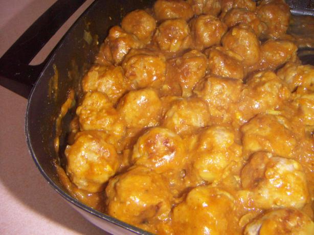 Pork Balls in Curry Sauce. Photo by dizzydi