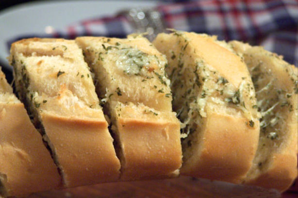 Cheesy Garlic Bread. Photo by NcMysteryShopper