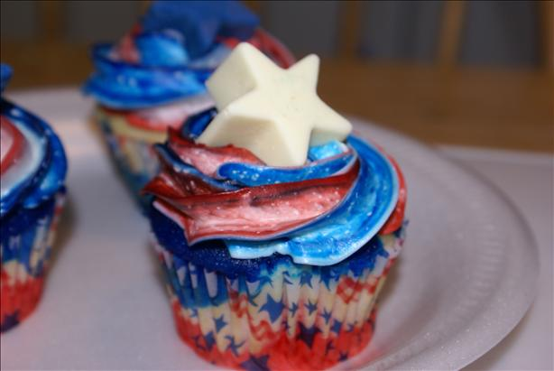 Patriotic 4th of July Cupcakes. Photo by shawnajean