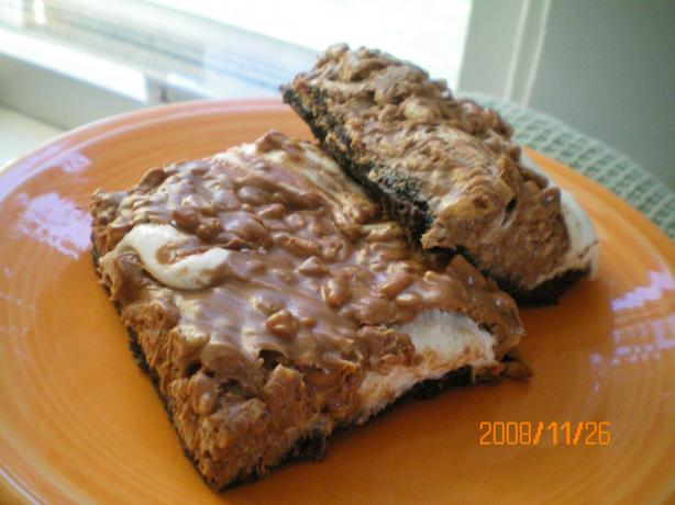 Deluxe Baked Marshmallow Peanut Butter Rice Krispies Squares Bar. Photo by CoffeeB