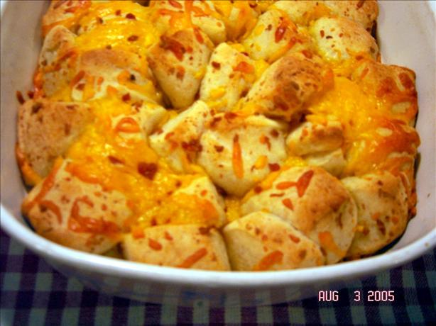 Bacon &#39;n Cheddar Bubble Bread. Photo by lets.eat