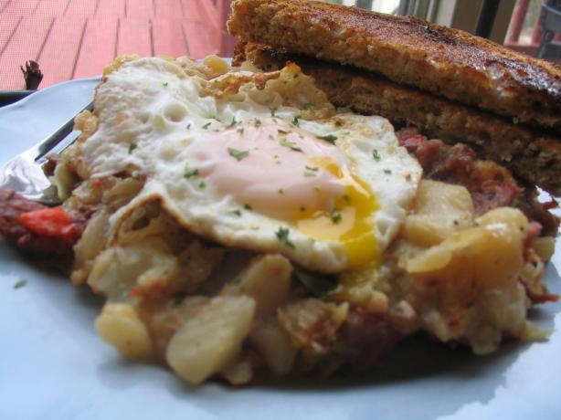Little Rooster&#39;s Cafe Corned Beef Hash. Photo by Lorrie in Montreal