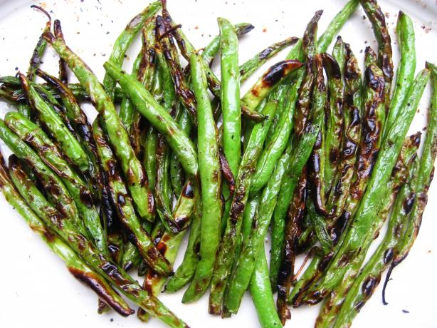 Roasted Green Beans. Photo by gailanng