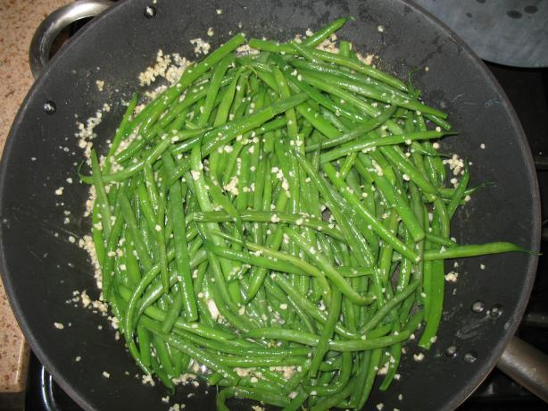 Garlic String / Green  Beans. Photo by Acadia*