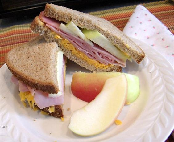 Cheddar  -  Apple & Ham Sandwich. Photo by Derf