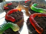 Easy Halloween Worm Cupcakes