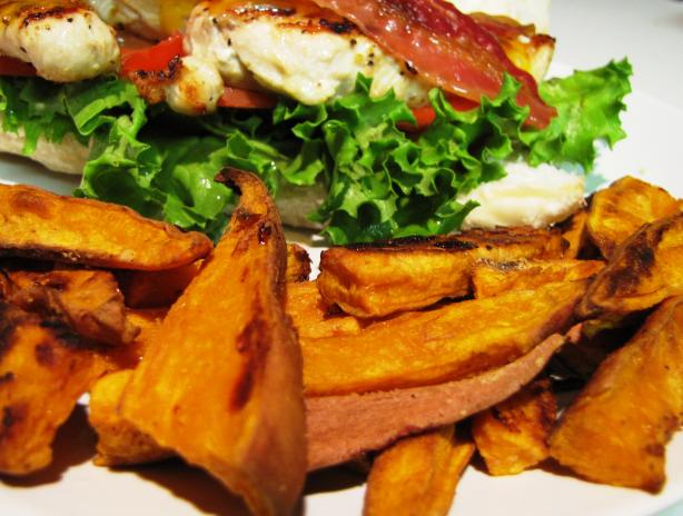 Delish Sweet Potato &quot;fries&quot; Low Fat. Photo by loof