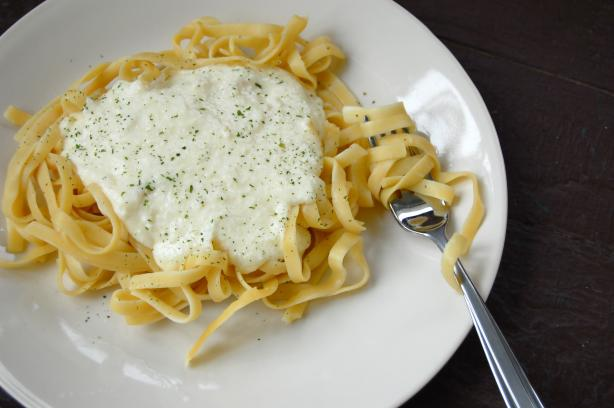 Better Than Olive Garden Alfredo Sauce. Photo by run for your life