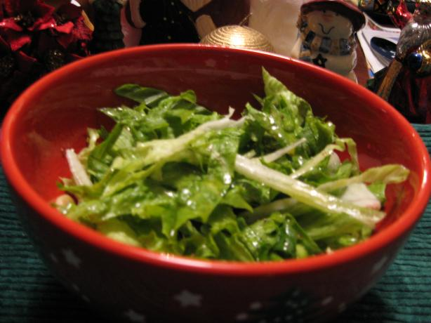 Maroulosalata (Classic Greek Lettuce Salad). Photo by breezermom