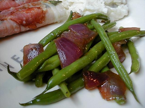 Green Beans With Pan-Roasted Red Onions (Thanksgiving). Photo by ms_bold