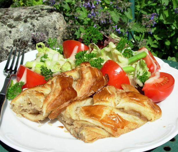 Chicken Wellington (Puff Pastry-Wrapped Chicken). Photo by French Tart