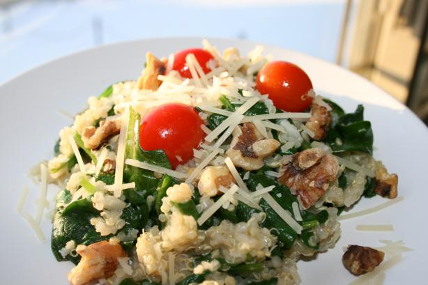 Quinoa Stir Fry With Spinach & Walnuts. Photo by Jacque mamma of 2