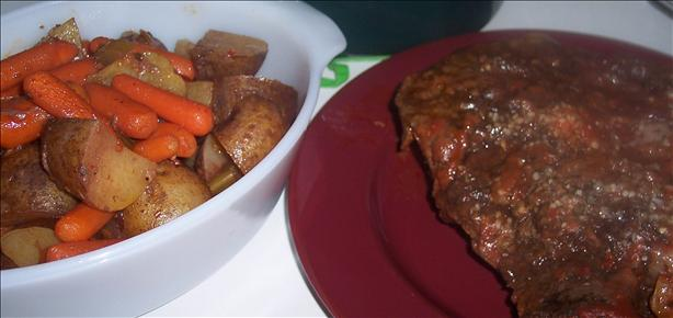 Zesty Slow Cooker Italian Pot Roast. Photo by looneytunesfan