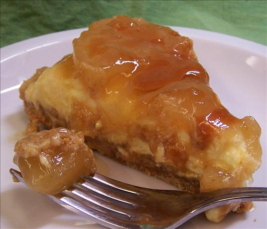 Apple Caramel Sundae Tart. Photo by PaulaG