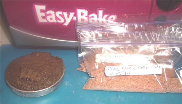 Easy Bake Oven Chocolate Cake Mix. Photo by looneytunesfan