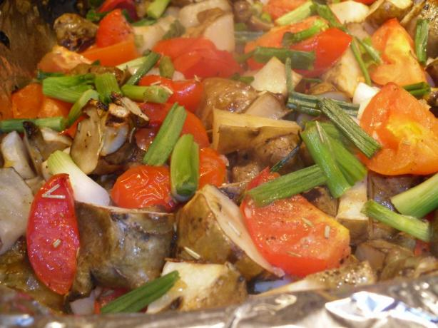 Rosemary-Roasted Jerusalem Artichokes and Tomatoes. Photo by tamalita62