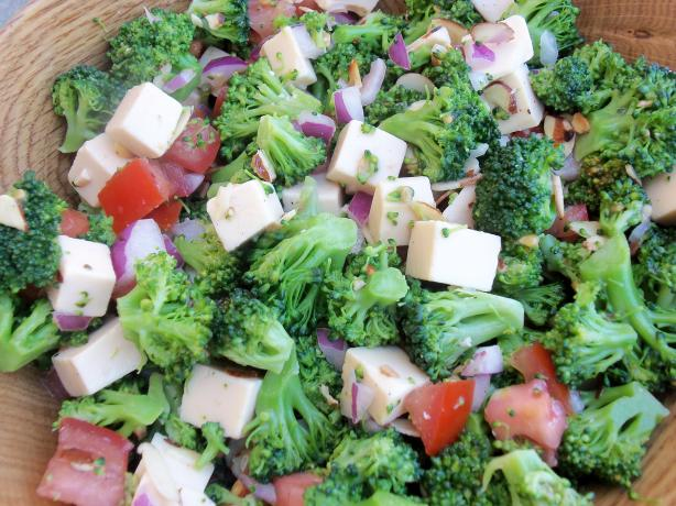 Broccoli Salad With Gouda. Photo by AZPARZYCH