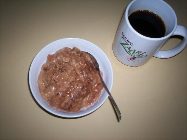 Apple-Cinnamon Overnight Oatmeal. Photo by Debbwl