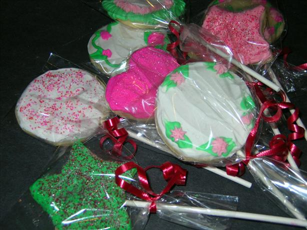 Valentine Cookie Pops. Photo by justcallmetoni