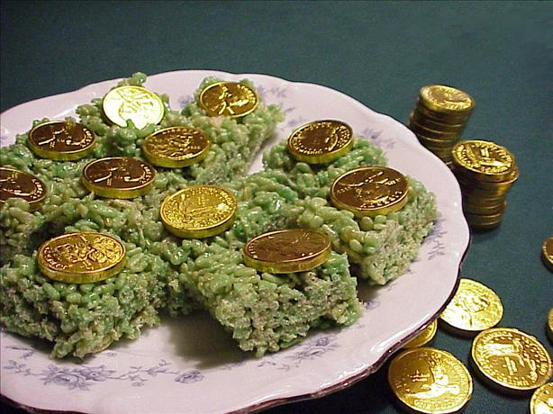 St. Patrick's Day Crispy Treats. Photo by RecipeNut