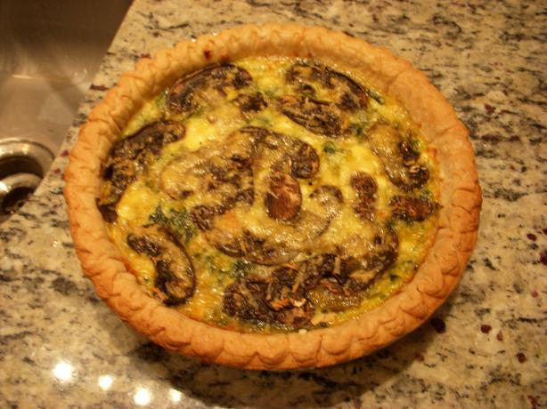 Spinach Mushroom Cheesy Quiche. Photo by JuliaTN