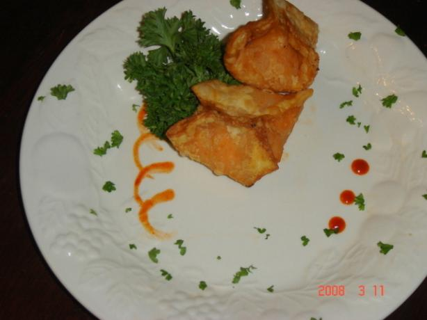 Charmie&#39;s Buffalo Chicken Wontons. Photo by Chef Buggsy Mate