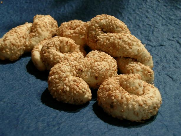 Sesame Koulourakia (Biscuits). Photo by justcallmetoni