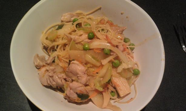 Chicken Lo Mein. Photo by Satyne