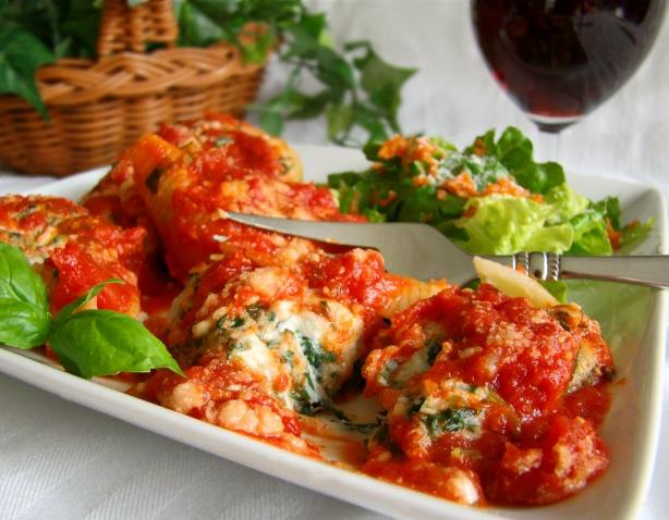 Spinach Stuffed Pasta Shells. Photo by Marg (CaymanDesigns)
