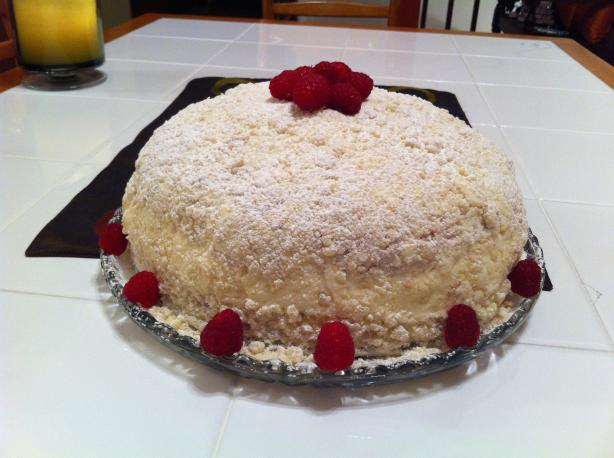 Olive Garden Lemon Cream Cake Clone. Photo by baklundnc