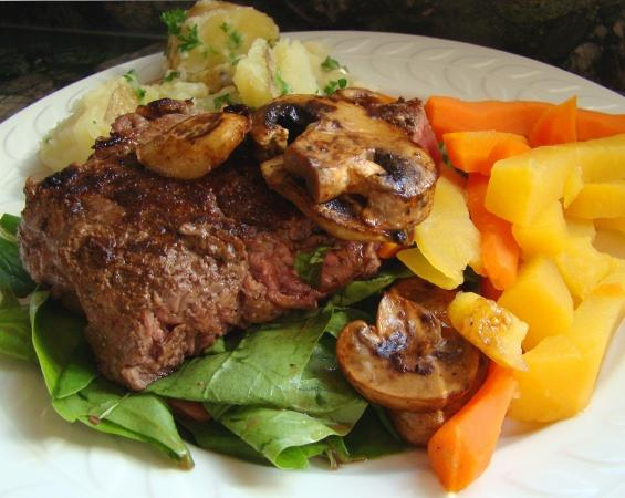 Warm Steak-And-Mushroom Salad. Photo by Derf