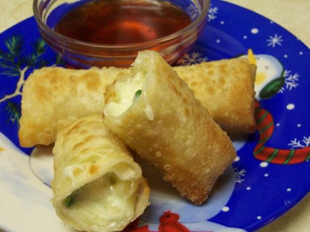 Jalapeno Popper Wonton Puffs. Photo by alligirl