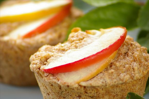 Healthy Low Fat Apple and Oatmeal Muffins. Photo by Thorsten