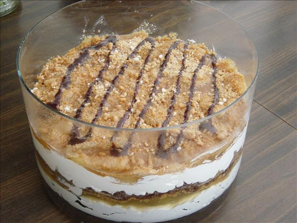 Peanutty Apple Trifle Dessert. Photo by jackieblue